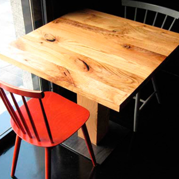 wild oak restaurant table