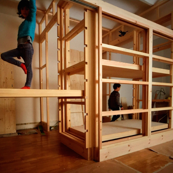 structure of 2 children rooms in pine and koto wood